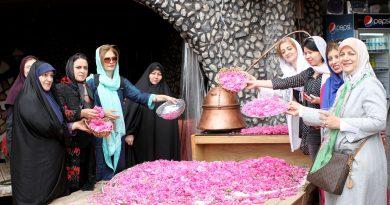 Тур женщин-дипломатов в Кашан